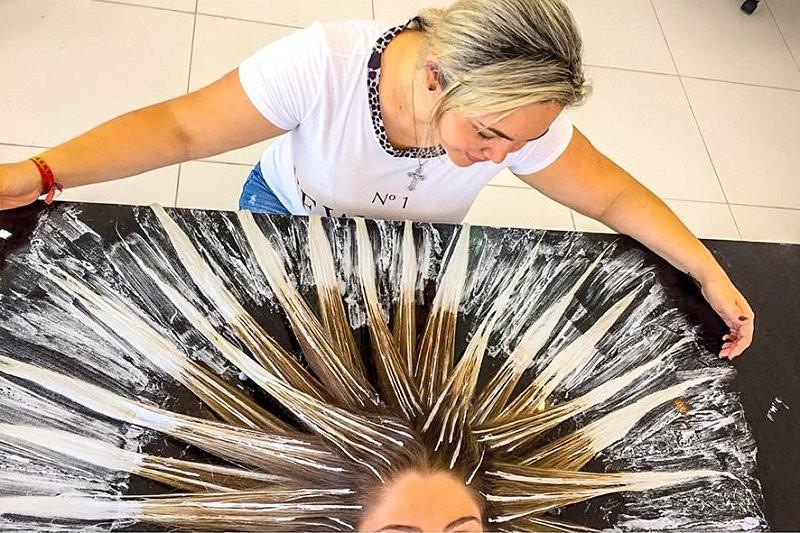 Как самостоятельно сделать шатуш на волосах 900