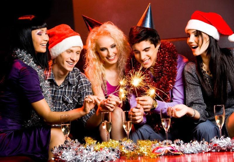 Как сделать новогоднюю вечеринку с друзьями