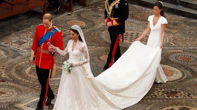Одно из самых дорогих платьев в современной истории